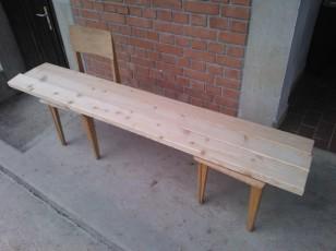 Barvanja lesenega dela klopi_1