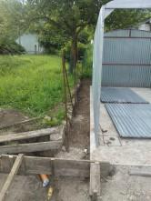 Urejanje okolice barake (odstranjevanje mreže, priprava za betonažo mulde)_4