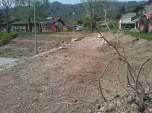 Grabljenje izkopanih in nasutih delov okolice igrišča_16