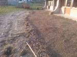 Grabljenje izkopanih in nasutih delov okoliceigrišča_2