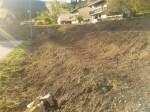 Grabljenje izkopanih in nasutih delov okoliceigrišča_20